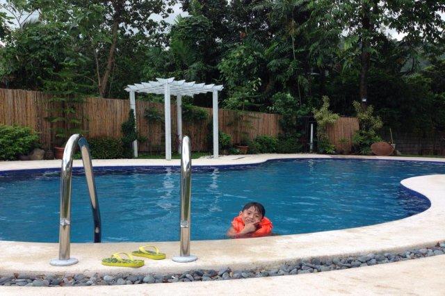 Private pool resort venue laguna los banos calamba for Bano beach resort