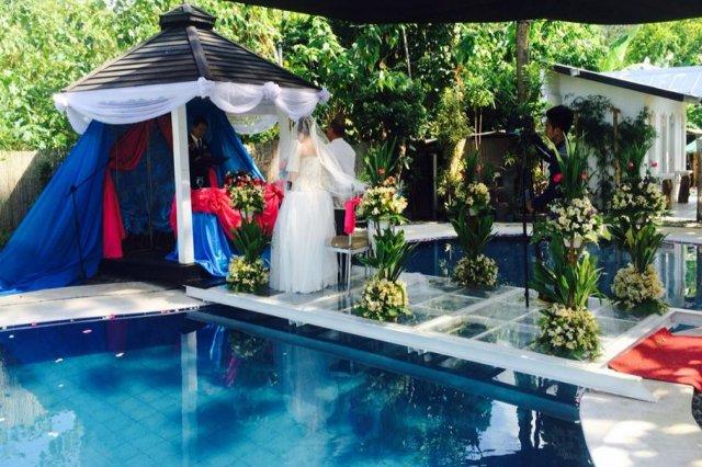 Private pool resort venue laguna los banos calamba for Garden pool wedding